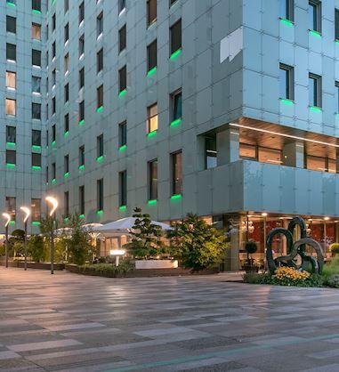Exteriér Grand Hotela River Park